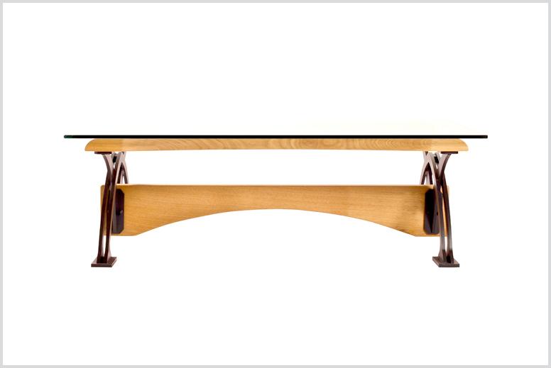 מורכב מברזל צבוע בתנור עם עץ אלון ארופאי וזכוכית מחוסמת בעובי 10 ממ מידות: 120X80x40